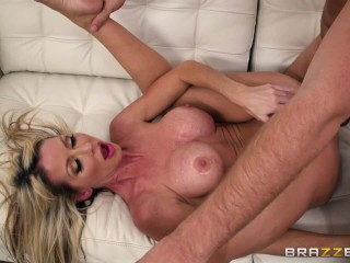 Dirty milf Tylo Durran needs rough sex Brazzers