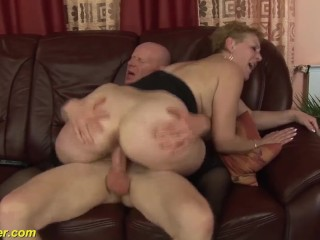 chubby Step mom bigcock banged by her toyboy