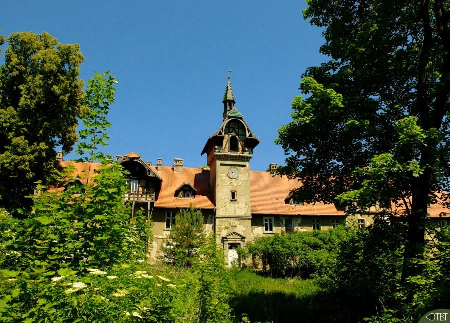 An abandoned palace - 1.jpg
