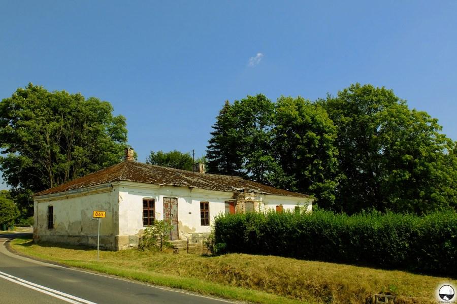 Abandoned inn - 1