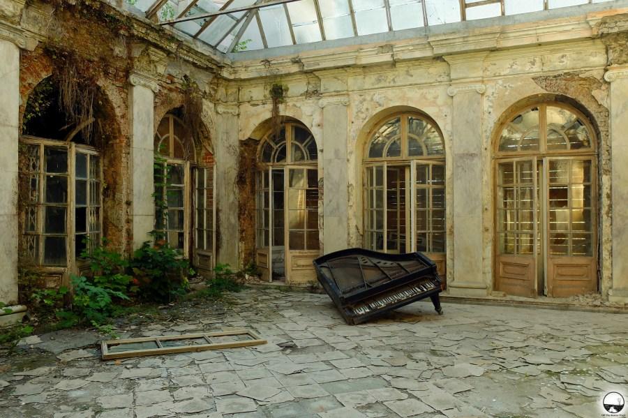 The abandoned Rzewuski Palace - 1