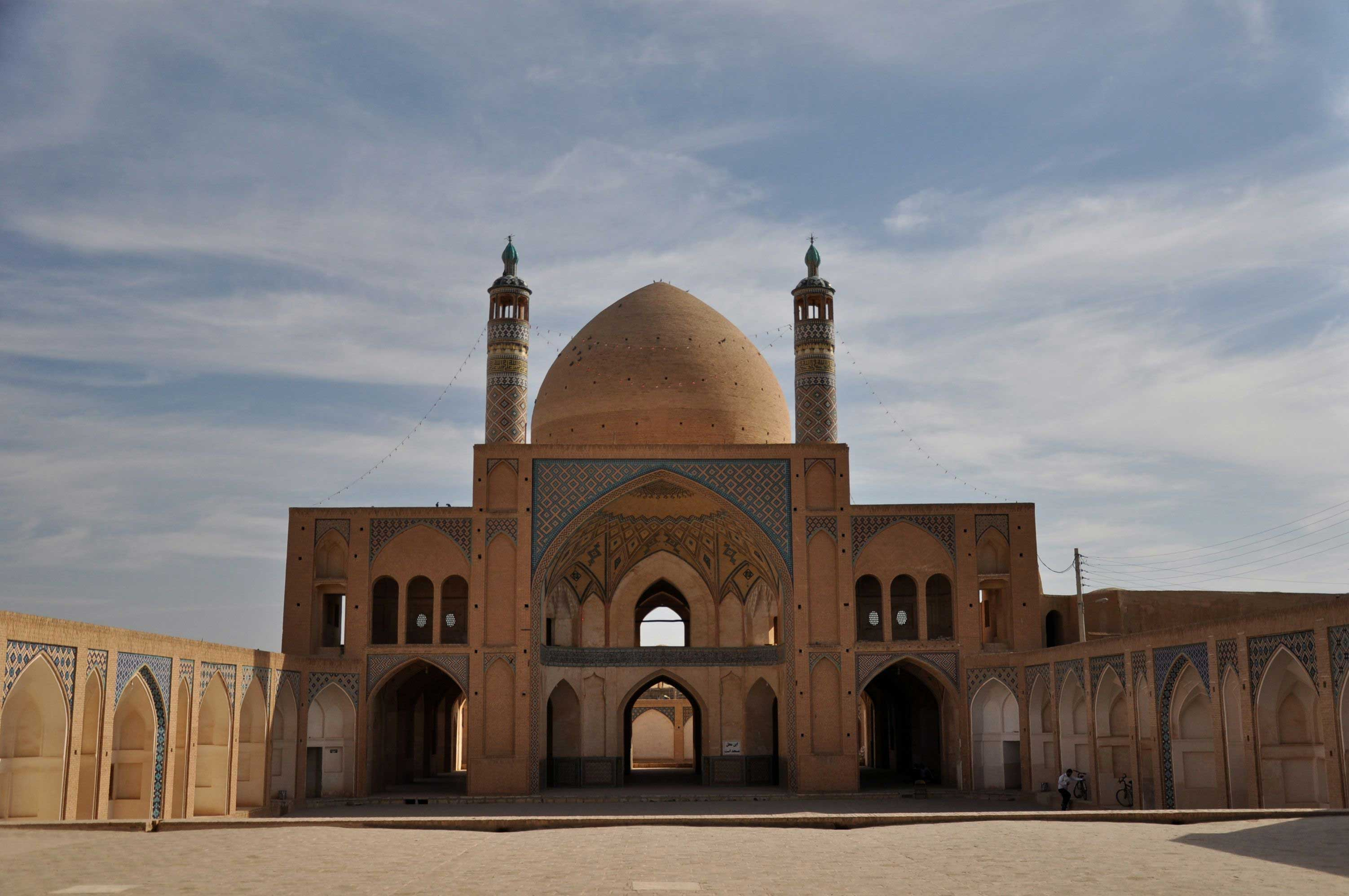 Kashan… gardens, mosques, palaces and hammam