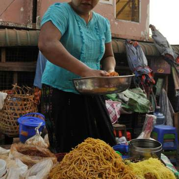 Burmese food… where India meets China!!
