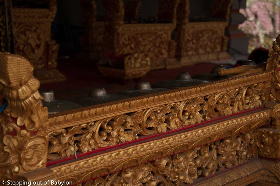 "gongs form the ""gamelan"" orquestra that plays during the Hindu celebrations"