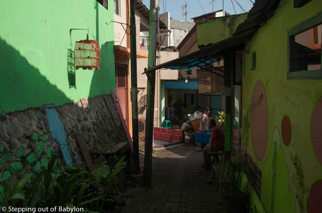Kidul Dalem... small streets with colorful houses, flowers and friendly smiles