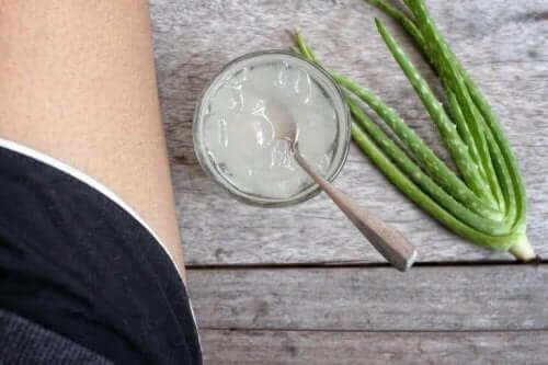 3. How To Reduce Blemishes: Aloe Vera