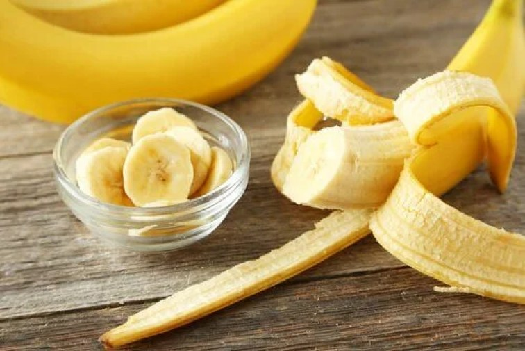 7 Healthy And Beneficial Uses of Banana Peels