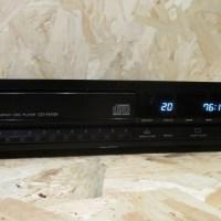 Akai CD-M939
