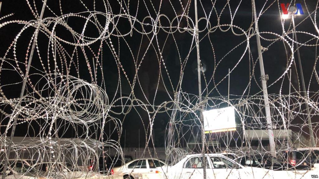 EE.UU. refuerza puntos fronterizos para encarar caravanas