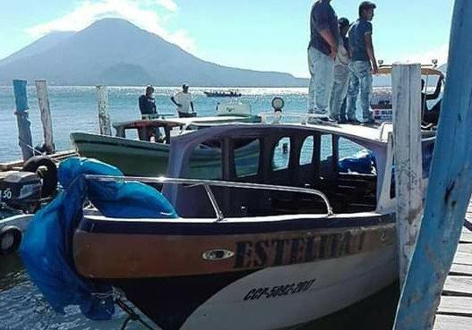 Buscan a cuatro personas tras naufragio en Sololá