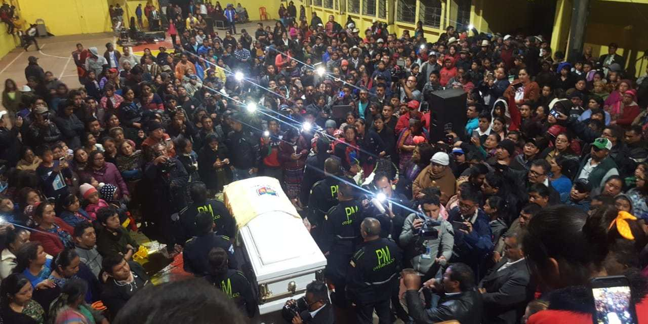 Dan apoyo a familia de joven migrante asesinada