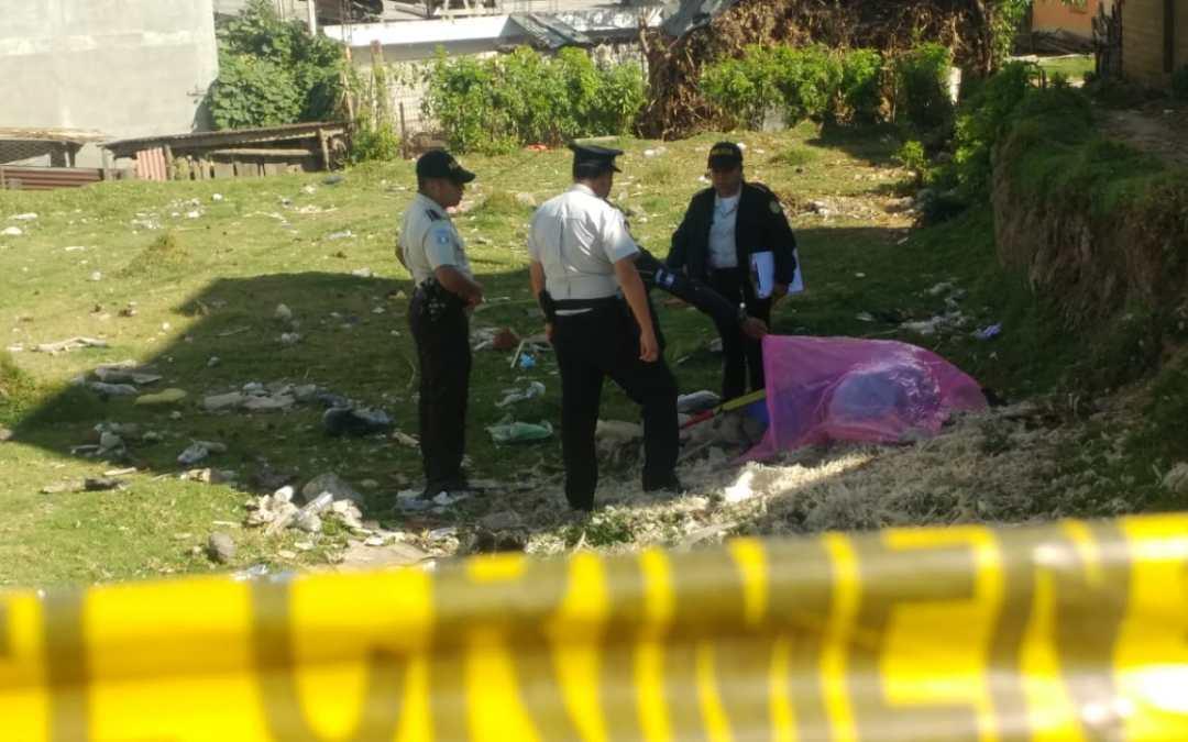 Hallan cadáver con señales de violencia en San Juan Ostuncalco