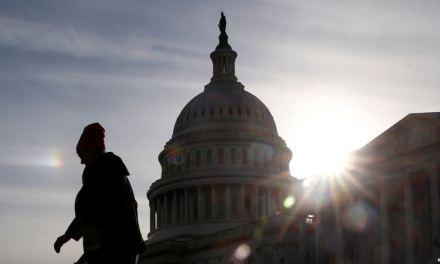 Senado de EE.UU. prepara votación a 33 días del cierre parcial del gobierno