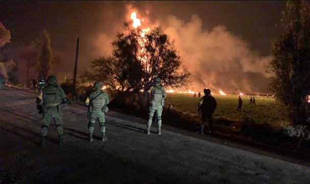 Emergencia en México, explosión en ductos de PEMEX