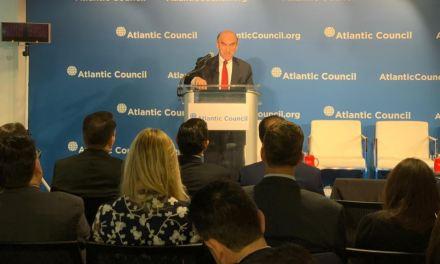 Abrams: Pocos países han visto tanta «calamidad» como la que vive Venezuela