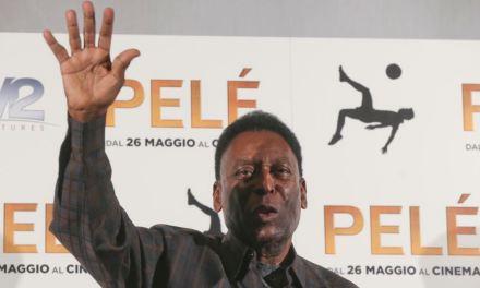 ¿Por qué fue ingresado Pelé a un hospital?