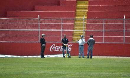 Comisión de CONCACAF revisa el estadio Mario Camposeco