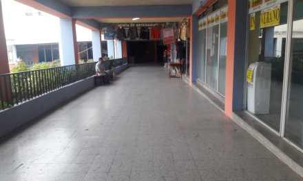 Instituciones solicitan espacios en el Centro Comercial Municipal de Xela