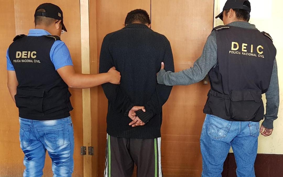 Notifican a reo de orden de captura, en la Granja Penal Cantel