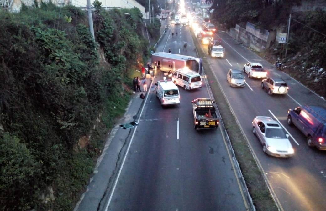 Percance en ruta Interamericana deja un muerto y varios heridos