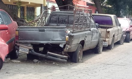 Esperan retirar vehículos consignados en el Barrio Las Flores, luego de varios años