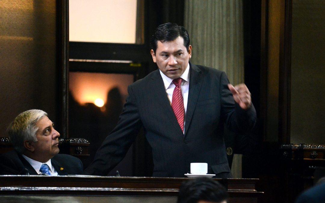 TSE inscribe a Armando Escribá, tránsfuga señalado en caso de corrupción