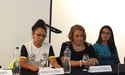 Bombera de Quetzaltenango participa en primer foro de mujeres ciclistas de Guatemala