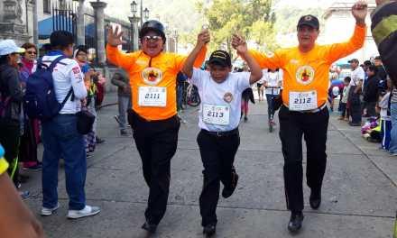 Quetzaltecos se convierten en héroes al participar en la X Run de Xelapan