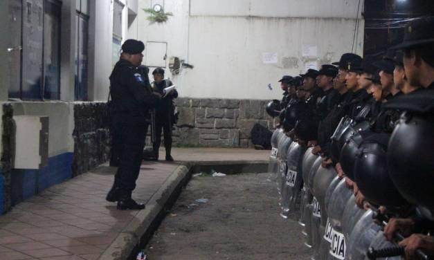 Más de 117 capturados en las primeras 12 horas de la Ley Seca. Incluido un agente PNC