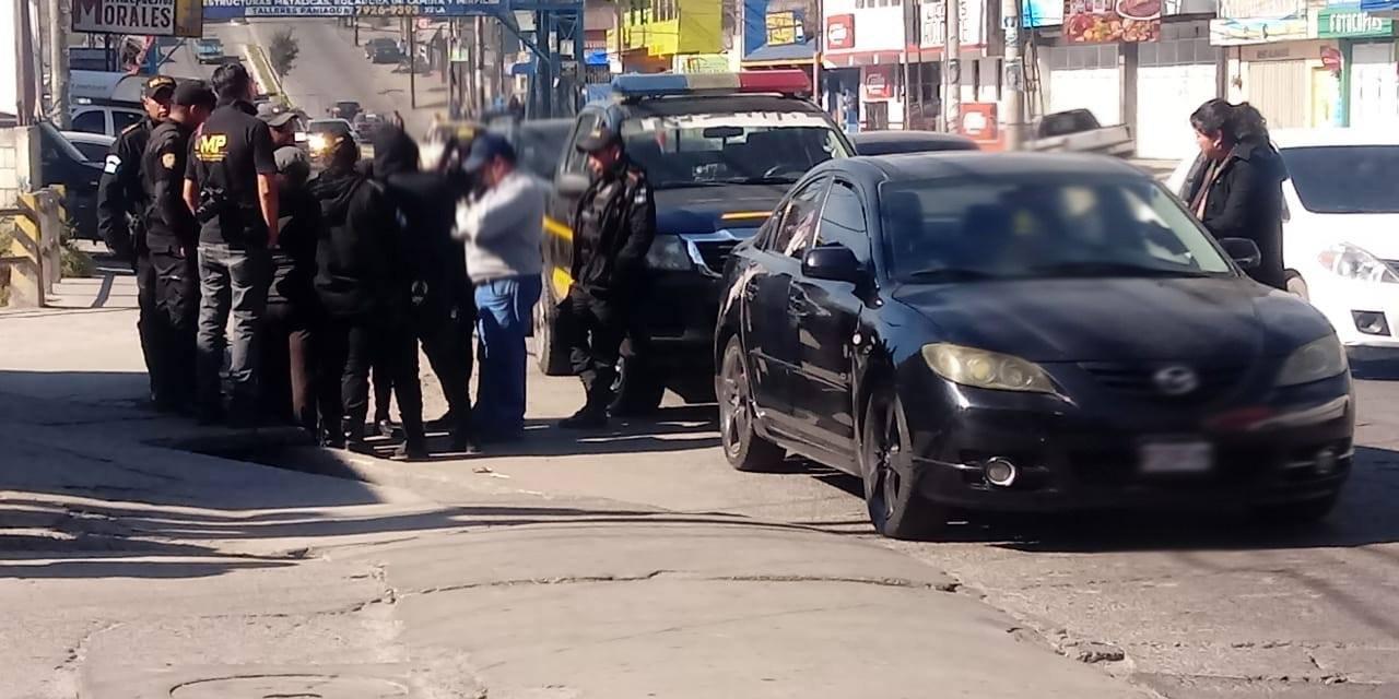 Confuso operativo de la PNC en la 29 avenida, zona 7 Xela