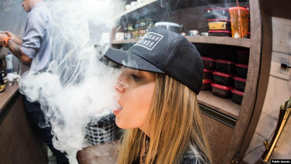 Consumo de cigarrillos-e en adolescentes vinculado a la marihuana