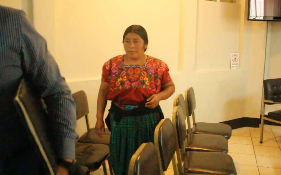 Condenan a mujer en Sololá por extorsión