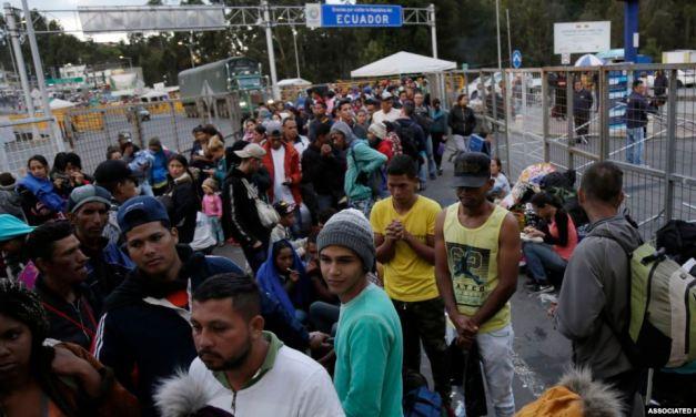 Ecuador evalúa corredor humanitario para venezolanos con visas hacia otros países