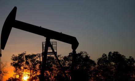 Economistas consideran grave suspensión de operaciones de petrolera china en Venezuela