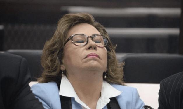 Sandra Torres sigue fuera de prisión