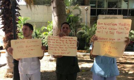 """Empleados de hospitales en Venezuela: """"Es imposible vivir con lo que se gana"""""""