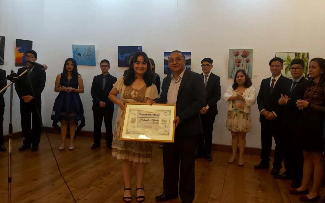 Reconocen a artista quetzalteco, en inauguración de muestra pictórica