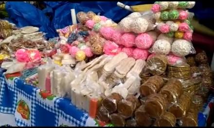 Venden en Xela dulces típicos de Sacapulas