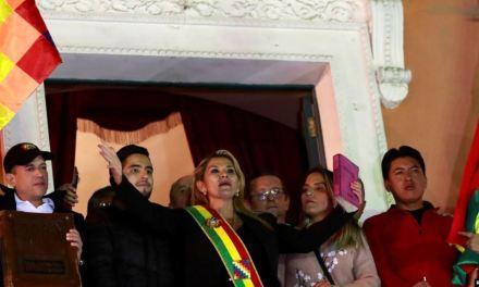 EE.UU. y otros países reconocen a presidenta interina de Bolivia