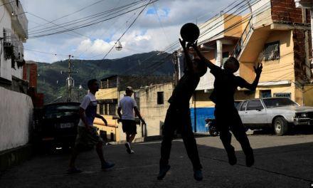 Venezuela: Informe revela aumento de cifra de niños separados de padres migrantes