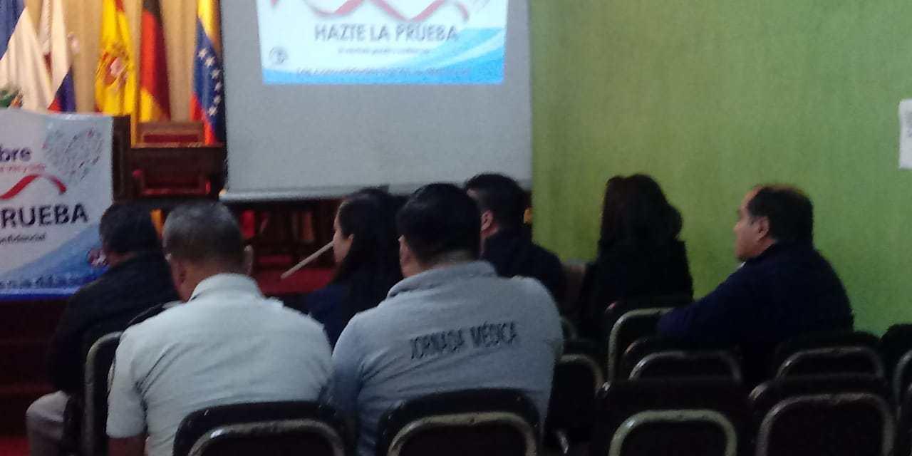 ¿Cuántos casos de VIH se conocen este año en Quetzaltenango?