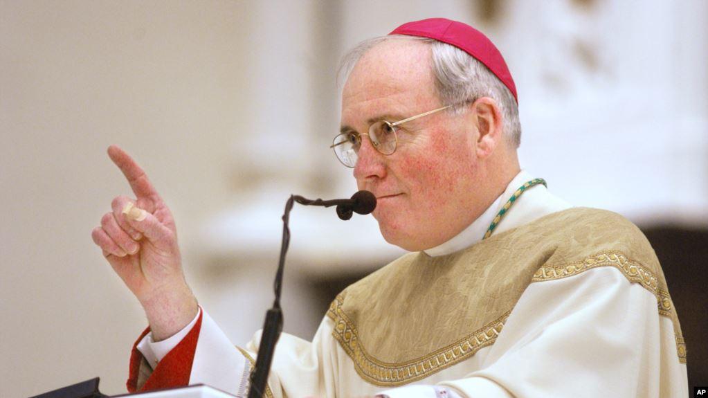 Vaticano: Renuncia obispo estadounidense acusado de encubrimiento de abuso