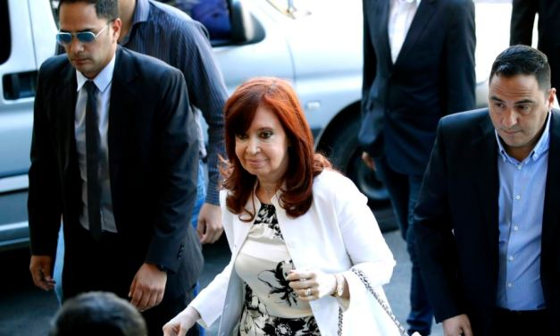 Argentina: Cristina Fernández de Kirchner declara en un juicio por corrupción.