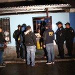 Ocho adultos y tres menores de edad detenidos por extorsión