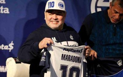 ¿Por qué hospitalizan a Diego Maradona?