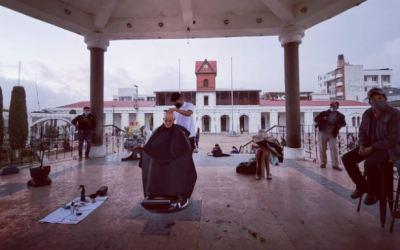 Corte de cabello es gratis y en el parque central