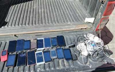 Localizan 17 teléfonos celulares en requisa del Preventivo de Mujeres, zona 1 Xela