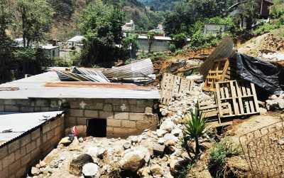 Familias se ven obligadas a abandonar sus hogares en Xela