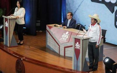 ¿Cuáles son las dos opciones que tiene Perú para elegir un presidente?