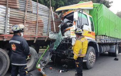 Copiloto de camión muere en accidente en la Interamericana